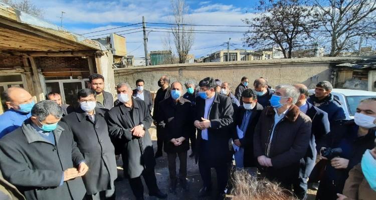 بازدید معاون باز آفرینی وزارت راه و شهرسازی از بازار اردبیل + عکس
